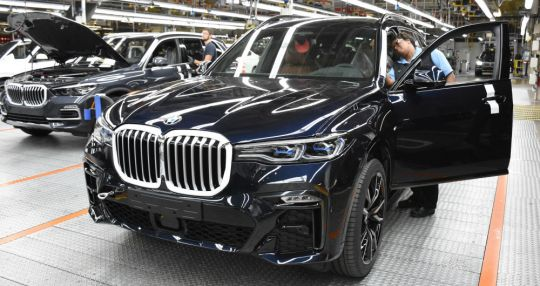 BMW Manufacturing begins production of X7