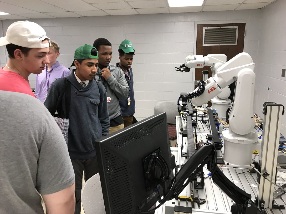 Greenwood Edge students tour Piedmont Technical College. (Photo/Provided)